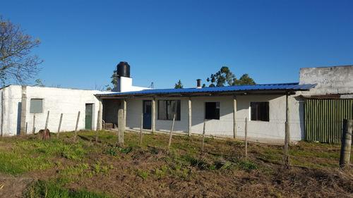 campo de 6 hectareas con casa a solo 3 kmtr de cerrillos .