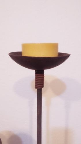 candelabro de hierro artesanal.