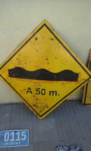 cartel señalizacion calle lomo burro