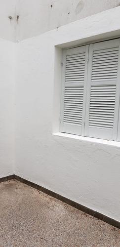 casa 1 dorm 1 baño 1 patio