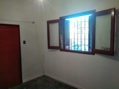 casa 1 dormitorio hecha a nuevo excelente ubicacion