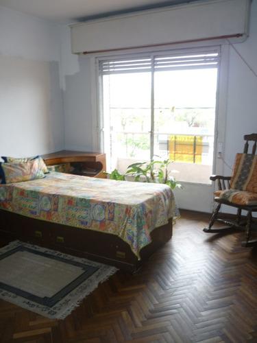 casa 3 dormitorios y 3 baños bajó