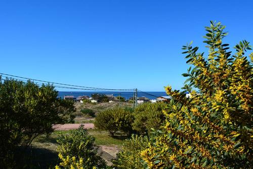 casa a 150mtrs de la playa, confortable y con vista al mar .