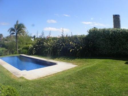 casa alquiler  barrio privado 5 dormitorios piscina barbacoa