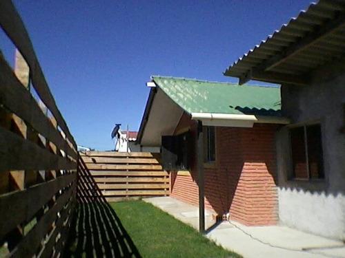 casa alquilo brra chuy.400 mt/ centro