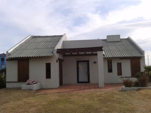 casa amplia 3d y 2 baños con parrillero techado