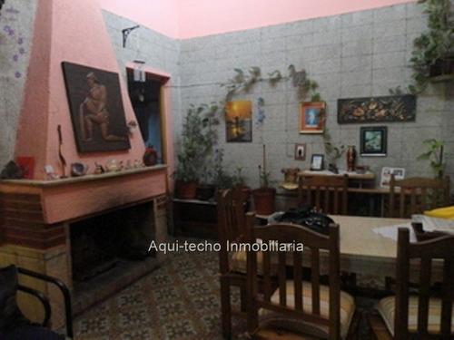 casa antigua de 2 plantas