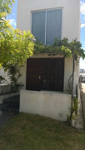 casa apartamento completita cuadra y media de la mansa