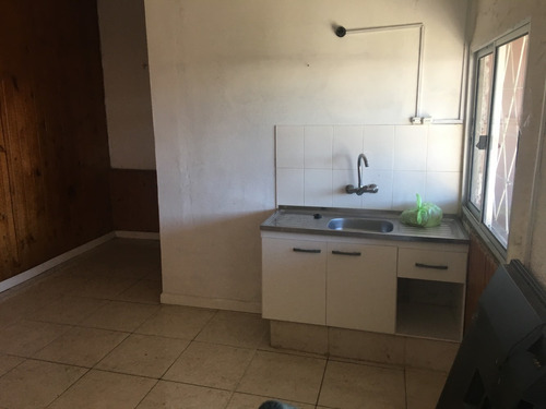 casa apartamento pequeño con amplio lugar abierto regalo