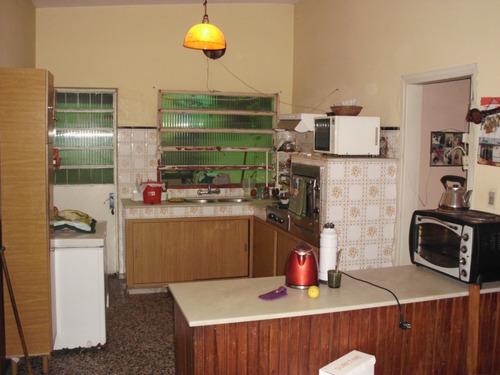 casa central - ideal empresa o 2 familias s/cno. maldonado