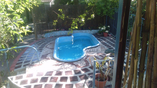 casa con bbcoa y piscina cerca de todo