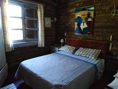 casa con dos dormitorios y baño