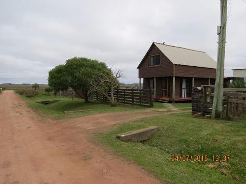 casa con parrillero, tv cable, wifi,  garage cerrado
