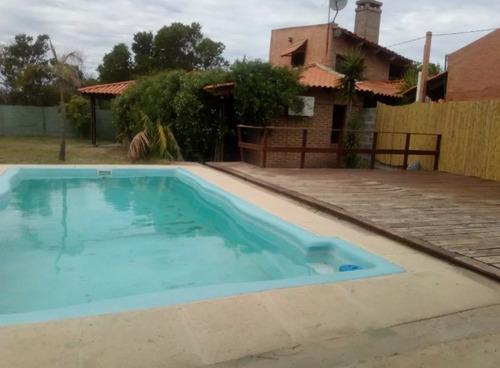 casa con piscina el pinar equipada para 4 personas