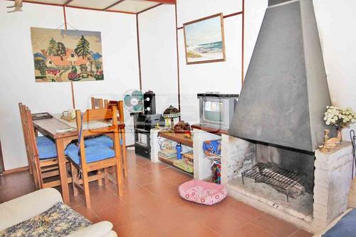 casa de 2 dorm + pieza en el fondo - 4 cuadras de la playa