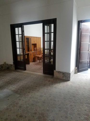 casa de 3 dormitorios en franciso tajes y av. agraciada