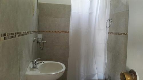 casa de 4 ambientes, 1 baño