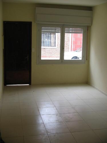 casa de 4 dorm. dos patios, con renta y alquiler vigente.