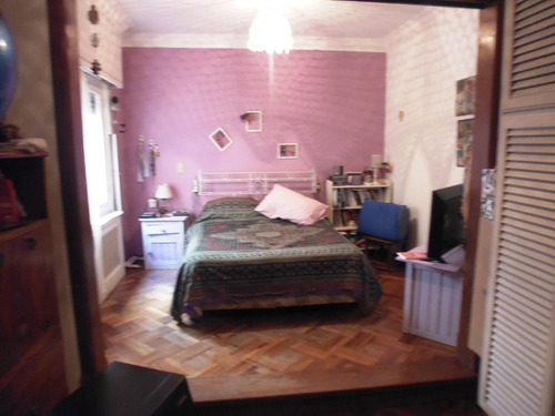 casa de categoría en excelente ubicación! 4 dormitorios