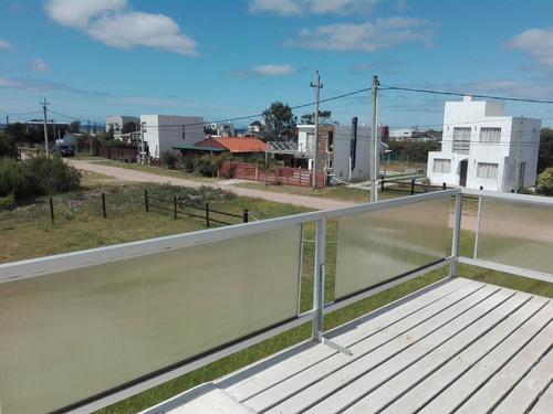 casa en 2 plantas a 50 mtrs del mar trat