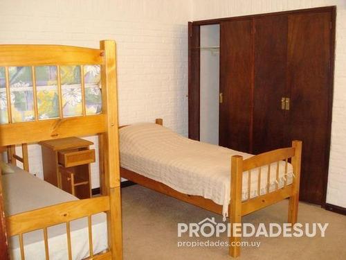 casa en alquiler de 4 dormitorios y dep. servicio - 3 baños en punta del este