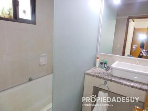casa en alquiler y venta de 4 dormitorios - 2 baños en punta del este
