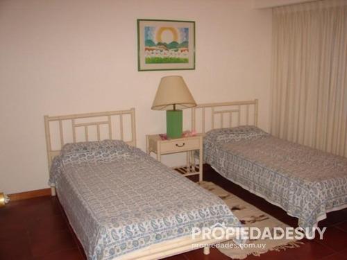 casa en alquiler y venta de 4 dormitorios - 4 baños en punta del este