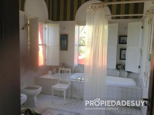 casa en alquiler y venta de 5 dormitorios - 5 baños en montoya
