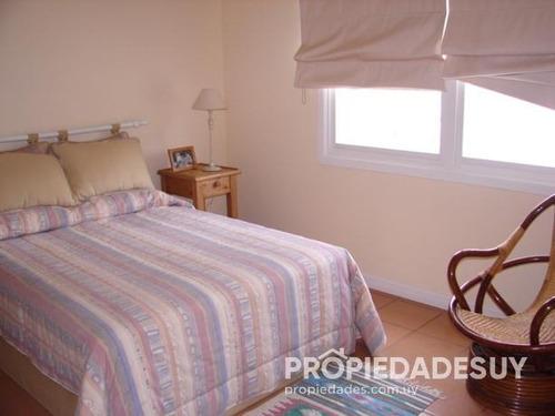 casa en alquiler y venta de 5 dormitorios - 5 baños en punta del este