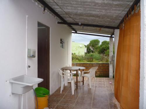 casa  en balneario hermenehildo  a 1 cuadra de la playa
