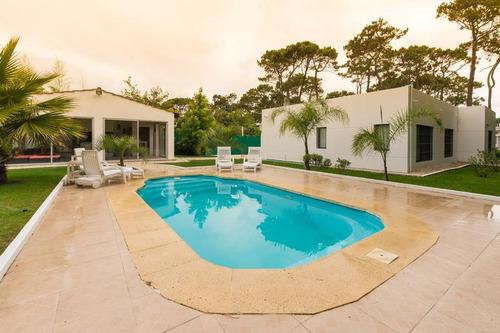 casa en cantegril con piscina