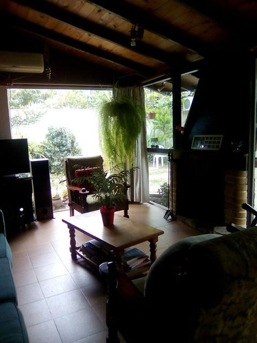 casa en carrasco norte a pasos de av. bolivia.