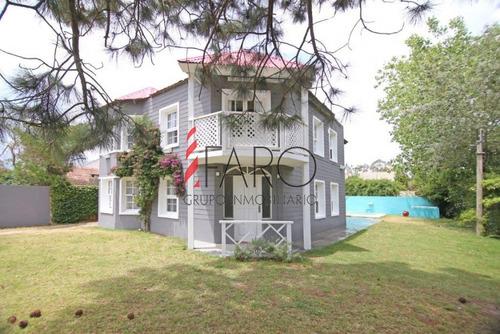casa en la barra 4 dormitorios y dependencia con piscina y parrillero - ref: 33125