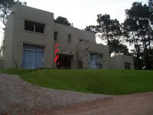 casa en laguna blanca 4 dormitorios barrio privado - ref: 33695