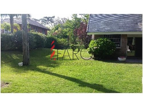 casa en mansa 3 suites y dependencia c/parrillero - ref: 33027