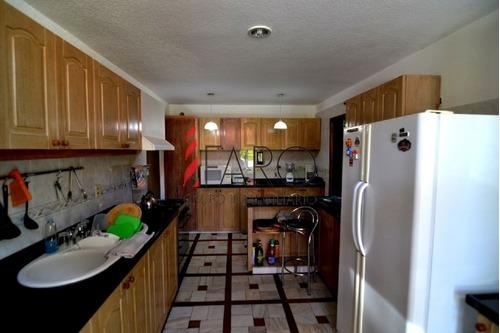 casa en mansa 5 dormitorios con parque, barbacoa, piscina y cochera - ref: 33772