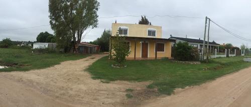 casa en nueva helvecia - barrio tarrab