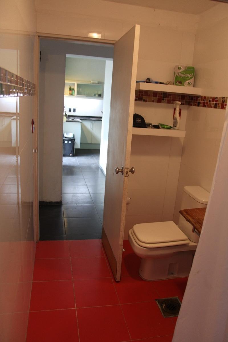 casa en palermo, 2 dormitorios,muy luminosa, fondo y garage,