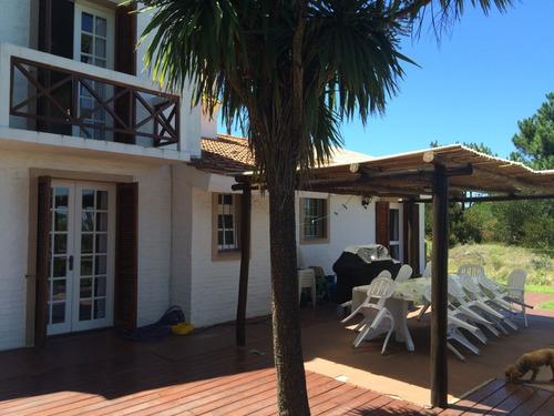 casa en playa mansa del lado del mar - punta del este