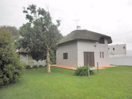 casa en punta colorada - consulte por financiación.