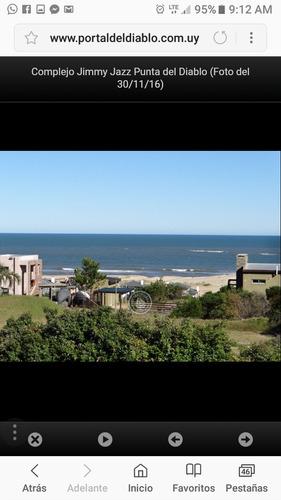 casa en punta del diablo a una cuadra de la playa
