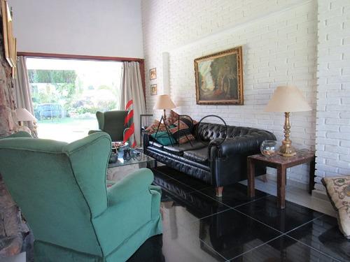 casa en san rafael 6 dormitorios y dependencia con barbacoa y cochera - ref: 32916