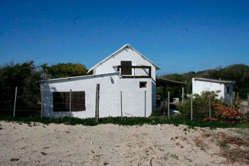 casa en valizas a pasos de la playa