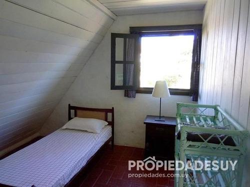 casa en venta de 2 dormitorios - 1 baños en punta del este