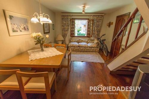 casa en venta de 2 dormitorios - 2 baños en punta del este