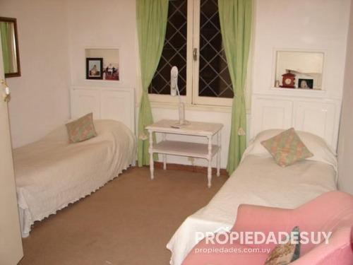 casa en venta de 4 dormitorios - 2 baños en punta del este