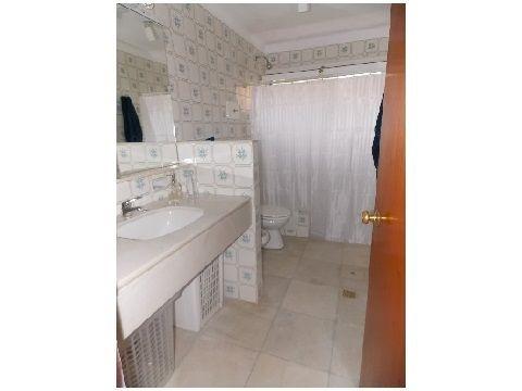 casa en venta de 4 dormitorios en lugano
