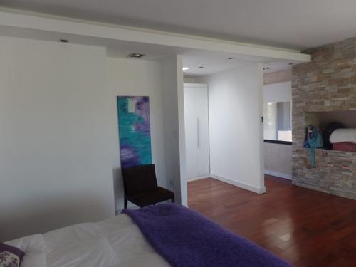 casa en venta de 4 dormitorios en suite en san nicolas