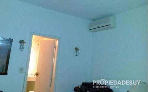 casa en venta de 4 dormitorios y dep. servicio - 4 baños en punta del este