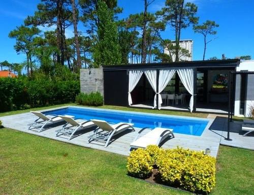 casa en venta de 6 dormitorios en playa mansa